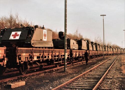 1. 1979 1980 A Esk 103 Verkbat 79 4 Oef Entre Nous treinladen. Fotoalbum John Emmen 1 2
