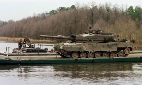103 Verkbat diverse opnamen AMX Leopard I en II 2