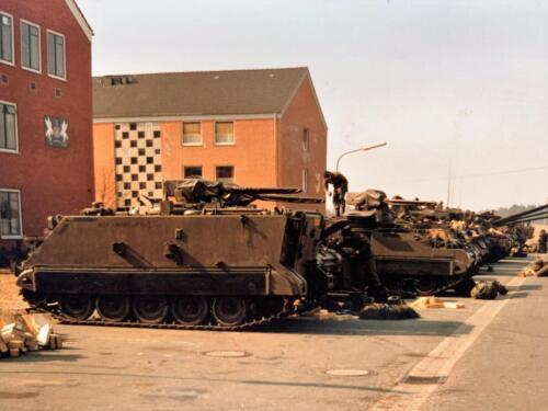 11. 1979 1980 A Esk 103 Verkbat 79 4 Schietserie vtgn laden in Seedorf. Fotoalbum Jonn Emmen 1 2