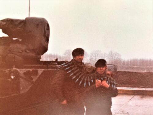 12. 1979 1980 A Esk 103 Verkbat 79 4 Li John Emmen en re Raymond Bos. Fotoalbum John Emmen 1 2