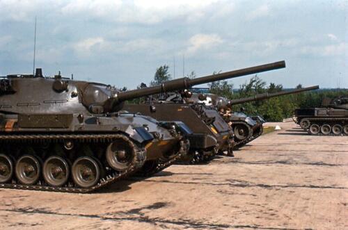 18. 1967 09 15 Leopard 1v tanks op de Bernhardkazerne