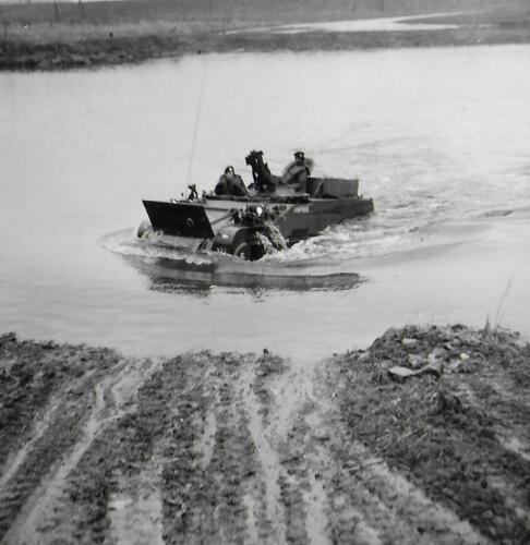 1971-05 A-Esk 103 Verkbat; Amfibische Oefening Hagengrinde Inz. Bill Nijhuis  (3)