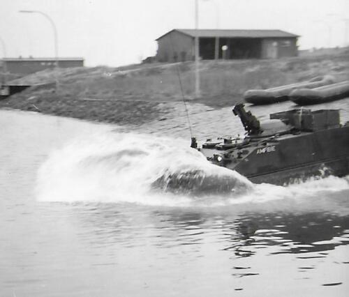 1971-05 A-Esk 103 Verkbat; Amfibische Oefening Hagengrinde Inz. Bill Nijhuis  (2)