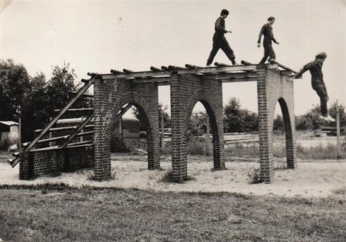 1971 A-Esk 103 Verkbat; Deelname Parcours Militair. Fotoboek Ritm R Meeder  (3)