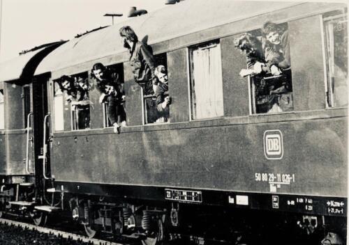 1974-1975 B-Esk 103 Verkbat; Per trein naar of van het oefengebied. Inz. Frans Homminga  (2)