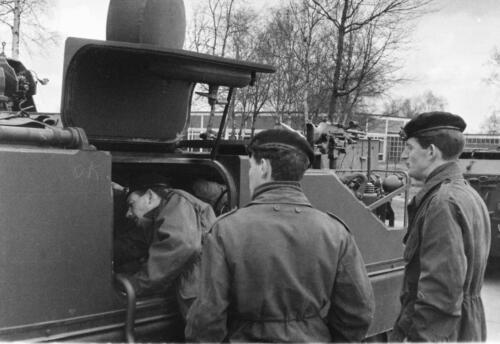 1966-1967 A-Esk 103 Verkbat; Trein laden of ontladen. Uit het fotoarchief van Jan Stoffels  (5)