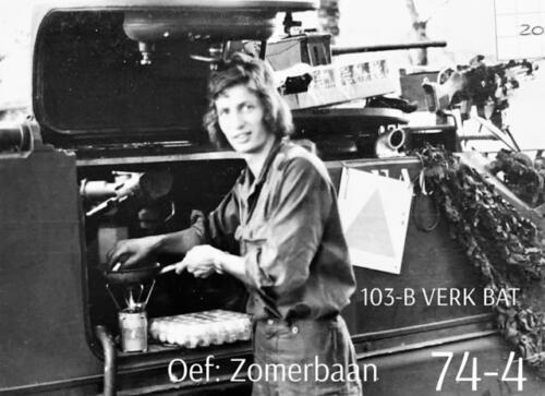 1974-1975 B-Esk li 74-4 103 Verkbat; Oefeningen en kazerneleven. Inzender Frans Homminga  (21)