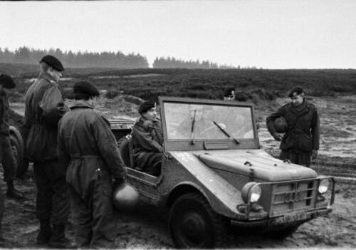 1966-1967 A-Esk 103 Verkbat; De opper Brunschot in de 2 takt Mungajeep. Uit het fotoarchief van Jan Stoffels  (4)