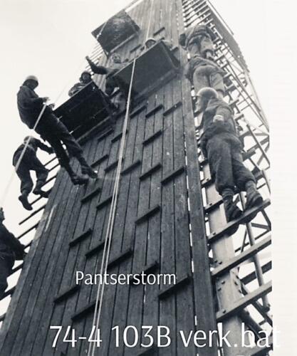 1974-1975 B-Esk 103 Verkbat; Oef Pantserstorm Roosendaal, toren en kip. Inzender Frans Homminga  (2)