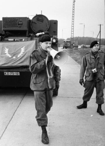 1966-1967 A-Esk 103 Verkbat; Ritmeester Ties Kwinten verwelkomt de eerste M113's Uit het fotoarchief van Jan Stoffels  (1)