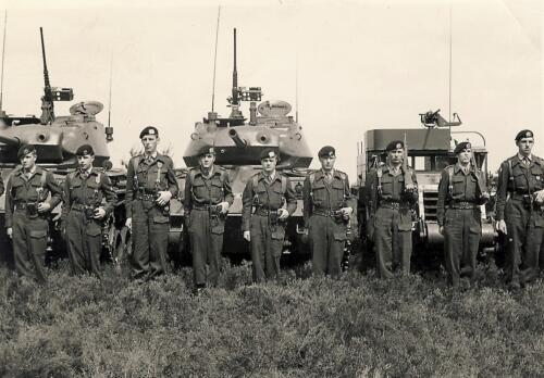 1961 C Esk 102 Verkbat Parade met Chaffees en Half tracks. Beediging kornet Dorhout Mees. Inz. W kunst 2