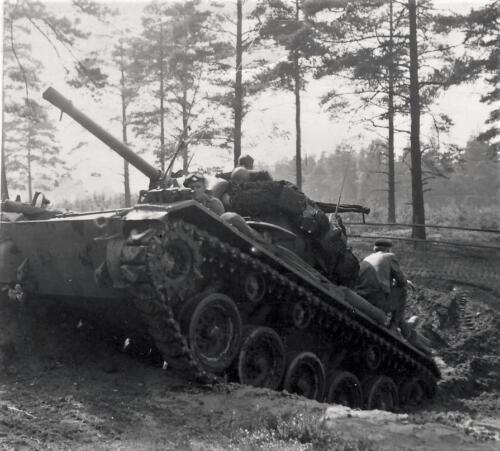 1961 SSV Esk 103 Verkbat 10. Capriolen met de Chaffee tank. Inzender W. Kunst 1