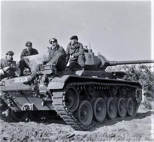 1961 SSV Esk 103 Verkbat 15. Op de Chaffee tank. Inzender W Kunst 1
