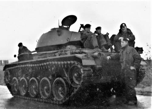 1961 SSV Esk 103 Verkbat 15. Op de Chaffee tank. Inzender W Kunst 3