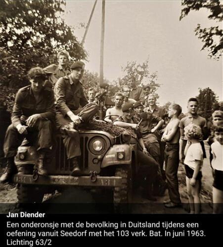 1963 06 A Esk 103 Verkbat Een onder onsje met de Duitse bevolking tijdens oefening Inz. Jan Diender