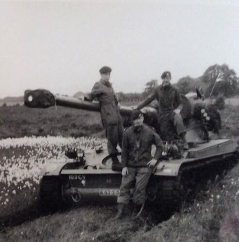 1965 1966 03 B eskadron 1e pel 103 Verkbat Tactische opstelling AMX Inz. Jan Langevoord 1