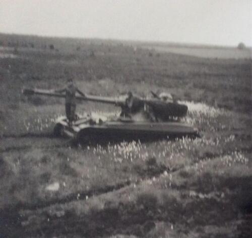 1965 1966 03 B eskadron 1e pel 103 Verkbat Tactische opstelling AMX Inz. Jan Langevoord 2