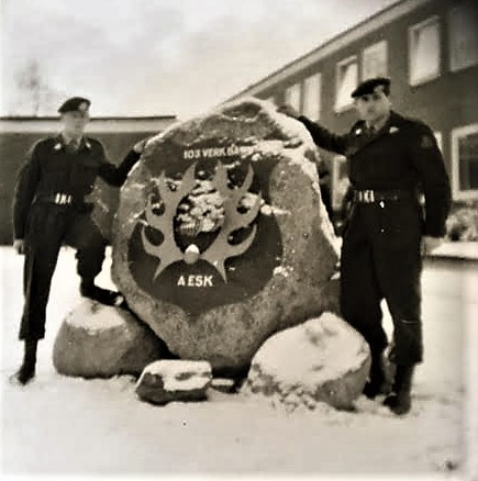 1965 A Esk 103 Verkbat Seedorf Huz Inzender Willem den Dunnen met zijn slaapje Jan Lassche