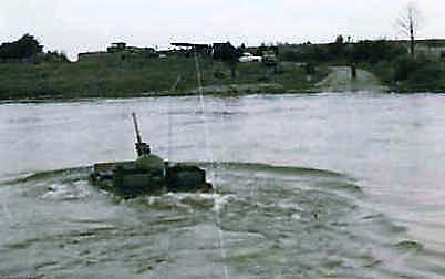 1966 - 1967 A-Esk 103 Eskadron Kwinten; Vaaroefeningen en rivieroversteek (10)