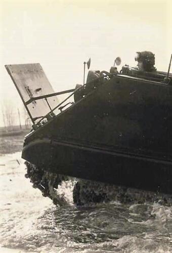 1966 1967 A Esk 103 Eskadron Kwinten Vaaroefeningen en rivieroversteek 3