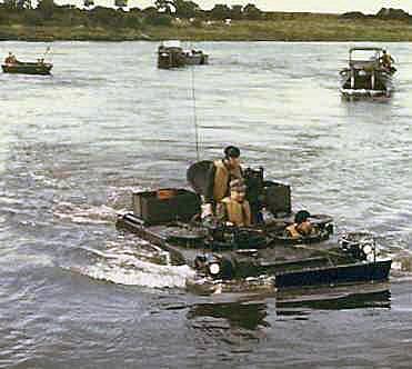 1966 - 1967 A-Esk 103 Eskadron Kwinten; Vaaroefeningen en rivieroversteek (7)