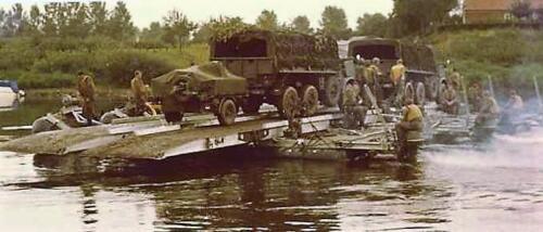 1966 - 1967 A-Esk 103 Eskadron Kwinten; Vaaroefeningen en rivieroversteek (8)