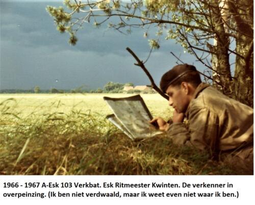 1966 1967 A Esk 103 Eskadron Kwinten. De verkenner aan het werk met de kaart