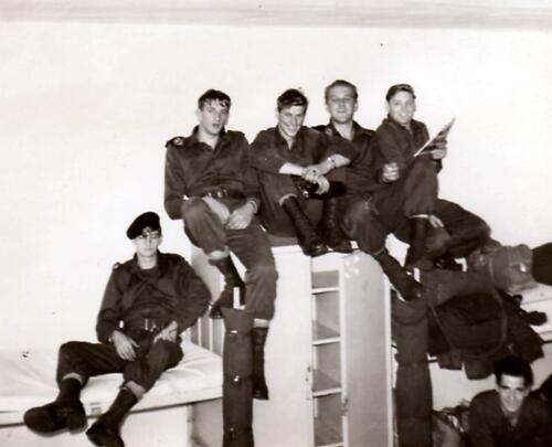 1966 1967 A Esk 103 Huzarenleven na de dienst 1