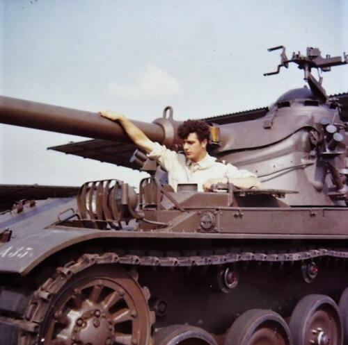 1967 1968 A Esk 103 Verkbat De Franse AMX was toch een mooi stukje techniek Inz. Kpl I TS li 66 6 Eugene Swarts 3