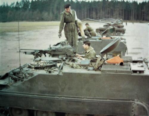 1967 1968 A Esk 103 Verkbat Schietserie .50 en MAG. Staand lnt Henk Nix Inz. Kpl I TS li 66 6 Eugene Swarts