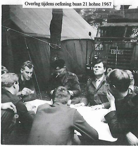 1967 SSV Esk 103 Verkbat Schietserie bij baan 21. Overleg.