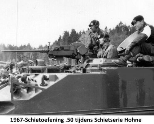 1967 103 Verkbat. Schietserie Bergen Hohne;  Hier wordt de loop van de .50 heet.