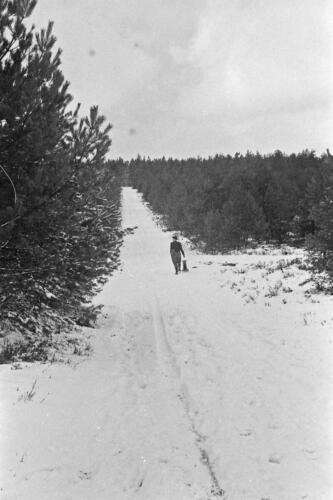 1968 1969 A Esk 103 Verkbat Bivak Entre Nous onder winterse omstandigheden. inz. Aad Gordijn 12
