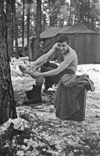 1968 1969 A Esk 103 Verkbat Bivak Entre Nous onder winterse omstandigheden. inz. Aad Gordijn 13