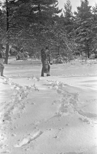 1968 1969 A Esk 103 Verkbat Bivak Entre Nous onder winterse omstandigheden. inz. Aad Gordijn 22