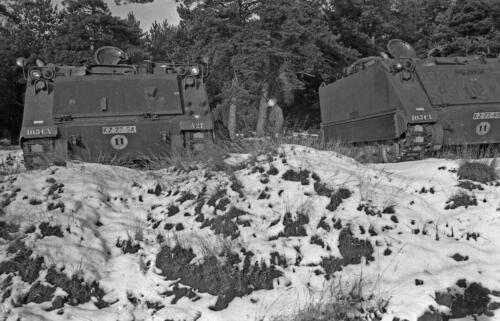 1968 1969 A Esk 103 Verkbat Bivak Entre Nous onder winterse omstandigheden. inz. Aad Gordijn 23