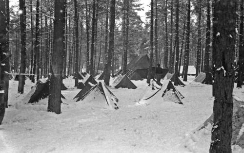 1968 1969 A Esk 103 Verkbat Bivak Entre Nous onder winterse omstandigheden. inz. Aad Gordijn 6