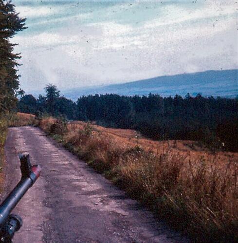 1969-09-01 103 Verkbat oefeningen in Duitsland; De mitrailleur MAG met mondingsstop is paraat!