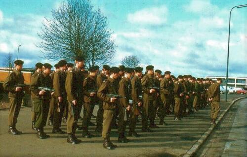 1969 06 11 1e pel van het B Esk 103 Verkbataljon aangetreden in Seedorf