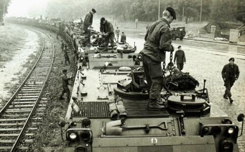 1969 09 B Esk 103 Verkbat Oefening Horizon Aankomst tanktrein 1