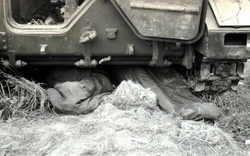 1969 09 B Esk 103 Verkbat Oefening Horizon bij Hessisch Oldendorf. Je moet ergens slapen...