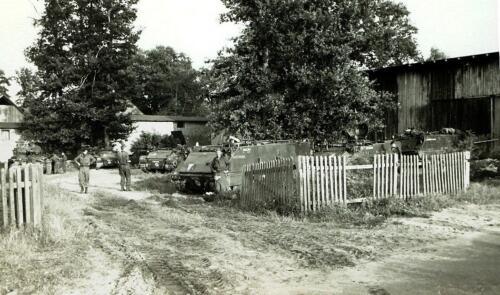1969 09 B Esk 103 Verkbat Oefening Horizon bij Hessisch Oldendorf. Onderhoud bij de stukken 1