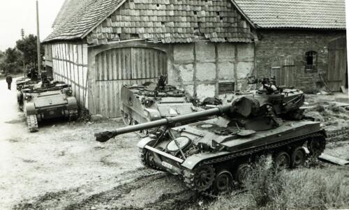 1969 09 B Esk 103 Verkbat Oefening Horizon bij Hessisch Oldendorf. Onderhoud bij de stukken 2