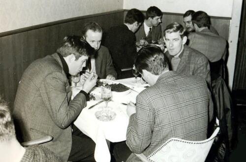 1969 11 25 B Esk 103 Verkbat Bezoek aan de Oostgrens van Duitsland IDG Achterin o.a. Wmrs Numan en Kuijpers
