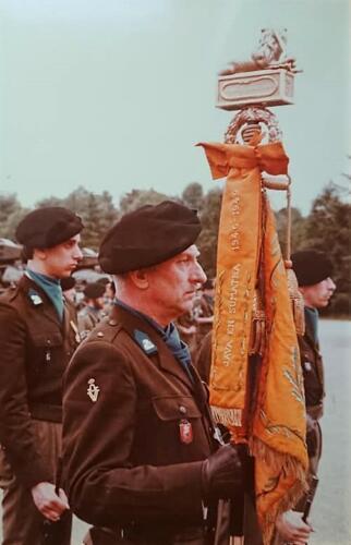1969 1981 Aooi R.A. Kolkert Standaarddrager Regiment Huzaren van Boreel.