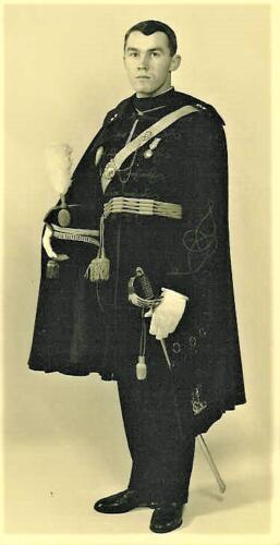 1969 B Esk 103 Verkbat Plv C Elnt R Meeder in ceremonieel tenue