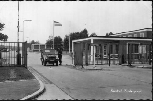 1969 Legerplaats Seedorf Zuiderpoort en het Stafgebouw 41 Pabrig