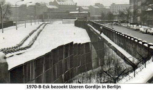 1970-01 B-Esk 103 Verbat bezoekt Berlijn; Het 'IJzeren Gordijn' Fotoboek van R Meeder