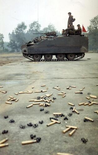 1970 10 05 Schietserie Bergen Hohne 70 2 Schietinstructeur .50 Wmr Hans Kuijpers 1