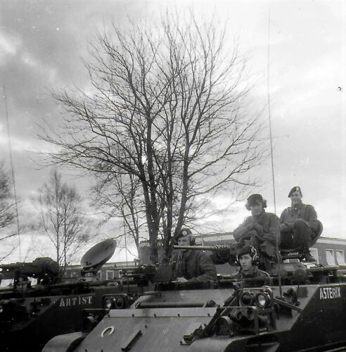 1970-1971 A-Esk 103 Verkbat Li 70-3; Eskadronsopstelling Middenweg Lpl Seedorf. Inz. Bill Nijhuis  (3)